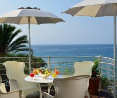 Royal Hotel Sanremo - La terrazza con vista mare
