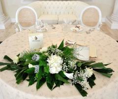 Villa Madama - La decorazione floreale del tavolo degli sposi