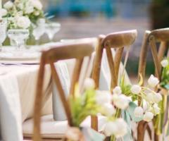 Disposizione ai tavoli del matrimonio