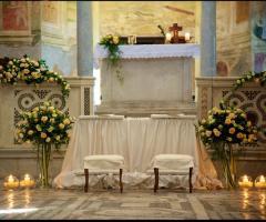 Abbazia di Sant'Andrea in Flumine - Sedute degli sposi in chiesa