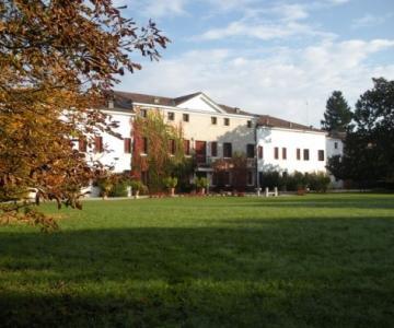 Villa Cavarzerani