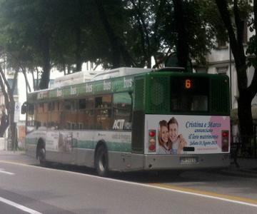 La Nostra Favola - Foto sposi su autobus