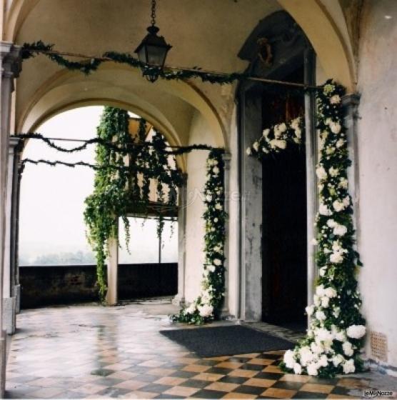 Decoro della chiesa per il matrimonio