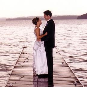 Gli sposi nella location del matrimonio