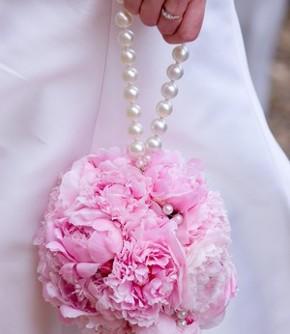 Bouquet a borsetta per la sposa