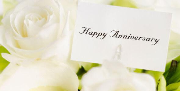 Auguri Anniversario Matrimonio 10 Anni.Auguri Di Anniversario Di Matrimonio Ecco Le Frasi Piu Belle