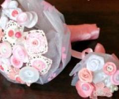 Bouquet di bottoni: un'idea per un sì alternativo