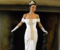 Stile glamour per gli abiti da sposa