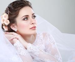 3 acconciature da sposa con fiori: lasciati ispirare!