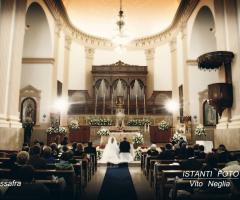 Istanti Fotografia - Dinnanzi all'altare