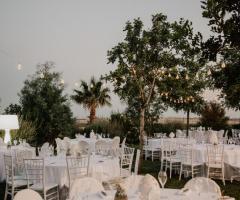 Manfredi Ricevimenti - I tavoli all'aperto per il ricevimento serale