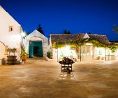 Masseria San Michele - Il cortile di sera