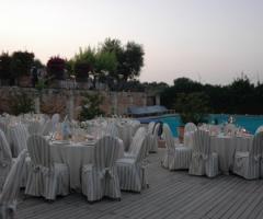Tavoli per le nozze a bordo piscina