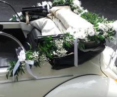 Noleggiami Maggiolini & Co - Le decorazioni sul maggiolino bianco
