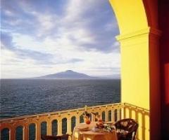 Vista panoramica dalla location di matrimonio sul golfo di Napoli