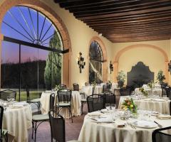 Hotel Villa Michelangelo - Ristorante La Loggia dove organizzare il banchetto di nozze