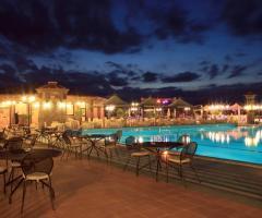 Grand Hotel Vigna Nocelli Ricevimenti - I tavoli a bordo piscina