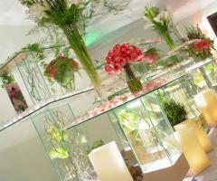 AKora Pool and Beach Events - llestimento floreale per la location di matrimonio