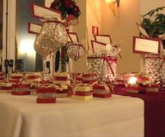 Tavolo della confettata di nozze