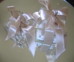 Portaconfetti in plexiglass per il matrimonio