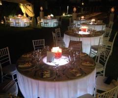 Guna Beach Club - I tavoli  di sera