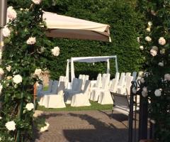 Cerimonia di nozze in giardino