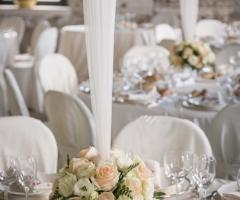 Abbazia di Sant'Andrea in Flumine - Addobbi per un ricevimento di nozze white