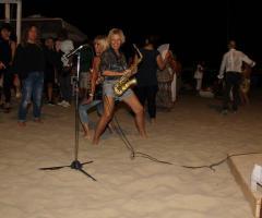 Sax Blond Letizia Brunetti - La festa musicale in spiaggia