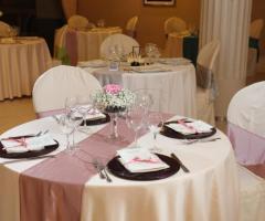 Mise en place lilla per le nozze