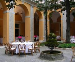 Corte interna di Palazzo Cardinal Cesi a Roma