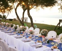 Guna Beach Club - A tavola in riva al mare