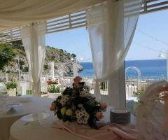 Grotta del Conte - Allestimento per il pranzo di nozze