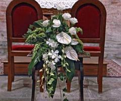 Fiori foglie e follie - Gli addobbi floreali in chiesa