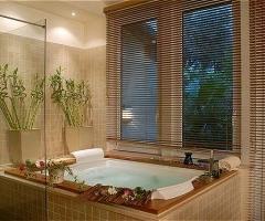 Idromassaggio per bagni rilassanti per gli sposi