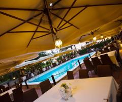 Villa Menelao - Matrimonio a bordo piscina