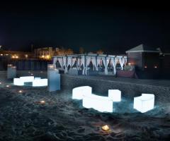 Cubi illuminati in spiaggia - Il Brigantino Barletta