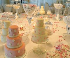 Il tavolo dei dolci e dei confetti