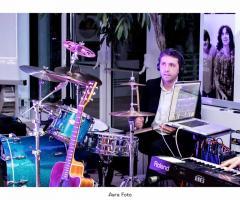 Exit Music - Le percussioni del gruppo