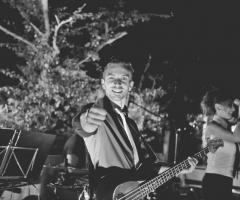 La band durante un matrimonio