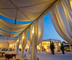 Allestimento con gazebi per il matrimonio - Coco Beach Club