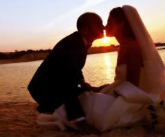 Gli sposi sulla spiaggia