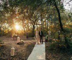 Tenuta Monacelli - Gli sposi nella natura