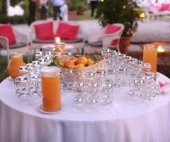 La Terra degli Aranci - Tavolo allestiti sui toni dell'arancio