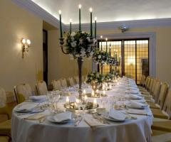 Tavolo imperiale per il ricevimento di matrimonio a Roma
