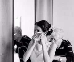 Attimi autentici - La sposa si veste