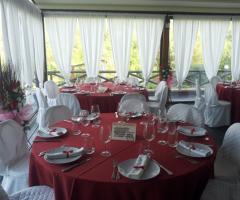 Borgo La Fratta - Allestimento in rosso