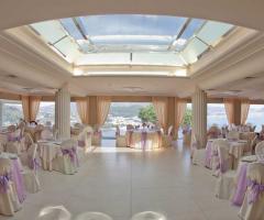 Sala interna per il banchetto di nozze a Napoli