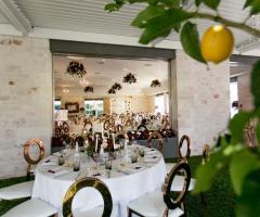 Relais il Santissimo -  I tavoli all'interno