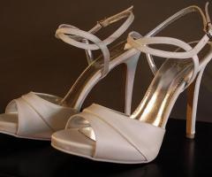 Scarpe su misura per la sposa