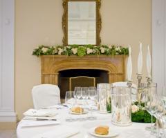 Il tavolo degli sposi nella sala interna